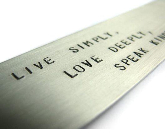Zakładka Live simply. Love deeply. Speak kindly.