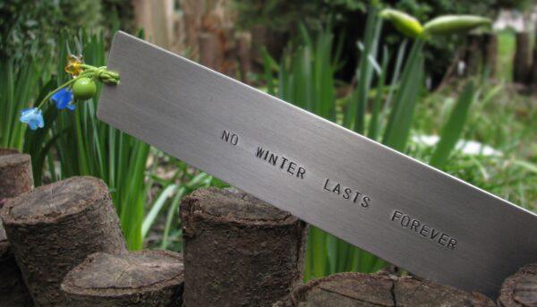 Zakładka do książki No winter lasts forever